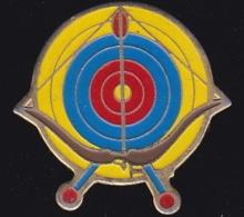 66213- Pin's.Tir à L'arc.Photo.signé Laboratoire Kodak. - Photographie