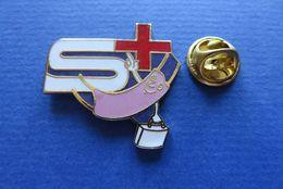 Pin's,CROIX ROUGE,SAMARITER,SUISSE - Médical