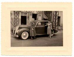 Photo : Superbe Voiture à Identifier , Avec Deux Femmes ? - Cars