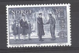 Norvège  :  Yv   822  **  Europa - Norwegen