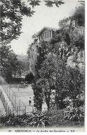 Grenoble. La Partie De Tennis Au Jardin Des Dauphins. - Grenoble
