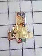 1420 Pin's Pins / Beau Et Rare / THEME : BIERES / SAINT LANDELIN BIERE D'ABBAYE - Bierpins