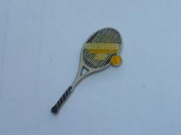 Pin's GAULOISE TENNIS CUP, RAQUETTE - Tennis