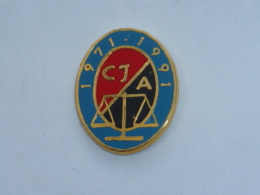 Pin's JUSTICE, 20° ANNIVERSAIRE DE ..? C.J.  A. - Police
