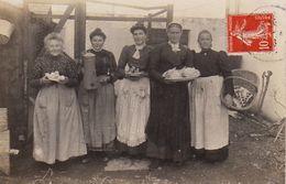 S31-009 Carte Photo - Montoir De Bretagne (cachet De 1909) - Groupe De Cuisinières Pour Une Noce Ou Un Hôtel - France