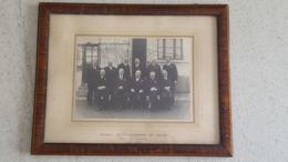 CALAIS GRANDE PHOTO ENCADREE CONSEIL DES PRUD'HOMMES DE CALAIS SECTION DU COMMERCE 1923-1937 - Calais
