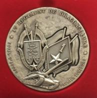 Médaille De Table Du 1 Er (premier) Régiment De Dragons. Royal D'abord, Premier Toujours. Toujours Au Plus Drus. - Médailles & Décorations