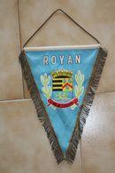 Fanion Football ROYAN Vintage - Uniformes Recordatorios & Misc