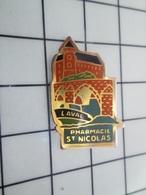 1620 Pin's Pins / Beau Et Rare / THEME : MEDICAL / PHARMACIE ST NICOLAS  LAVAL VIEILLES PIERRES - Médical