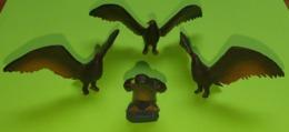 Lot 3 Figurines Jouet AIGLE - Environ Envergure 7 Cm - Matière Plastique - Etat D'usage - Années 1970 - Birds
