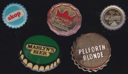 66233-Lot De 5 Pin's.capsules De Bière.boisson.alcool. - Bierpins