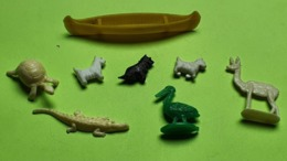 Lot 8 Figurines Jouet - BARQUE CHIEN TORTUE CROCODILE LAMA PÉLICAN - Matière Plastique - Etat D'usage - Années 1970 - Andere