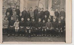 ENFANTS 1169 ; Carte Photo D'une Classe ( Sans Aucune Indication Sur Le Lieu ) - Grupo De Niños Y Familias