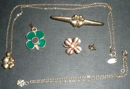 Rare Lot De 5 Bijoux, 3 Pendentifs, 1 Broche Et 2 Boucles D'oreilles TREFLES Trèfle à 4 Feuilles, Porte-bonheur Bijou - Pendenti