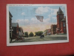 Town Hall & Square  Newport  New Hampshire   Ref 4264 - Etats-Unis