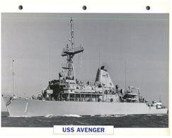 (25 X 19 Cm) C - Photo And Info Sheet On Warship - USS Avenger (1) - Bateaux