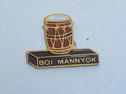 Pin's PERCUSSION BOY MANNYOK - Musik
