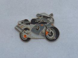 Pin's MOTO 017 - Motorräder