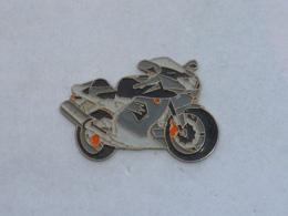 Pin's MOTO 019 - Motorräder