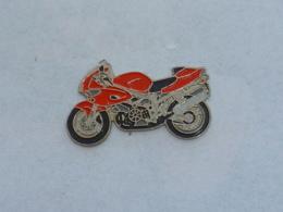 Pin's MOTO 016 - Motorräder