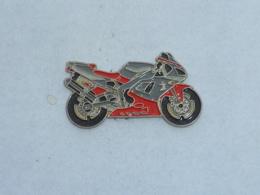 Pin's MOTO 047 - Motorräder