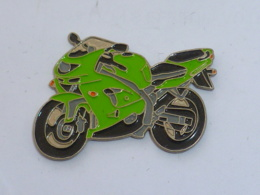 Pin's MOTO 115 - Motorräder