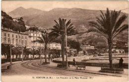 41mn  920 CPA - MENTON - LES PALMIERS DE LA PLACE VICTORIA - Menton