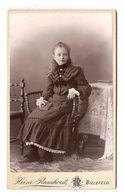 FOTO PHOTO CDV 19 ème SIECLE HEINZ RAMHORST BIELEFELD - ADOLESCENTE ASSISE ROBE GRAND COL DENTELLE - 19 Th CENTURY - Anciennes (Av. 1900)