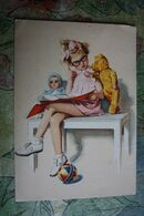 LITTLE GIRL WITH TEDDY BEAR AND DOLL Reading Book , OLD DDR POSTCARD - Grupo De Niños Y Familias