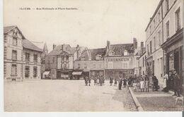 CLOYES - CLOYES SUR LE LOIR. CP Voyagée Rue Nationale Et Place Gambetta - Cloyes-sur-le-Loir