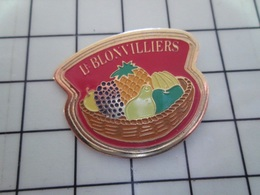 1720 Pin's Pins / Beau Et Rare / THEME : ALIMENTATION / LE BLONVILLIERS SUCRE FRUITS POMME POIRE ANANAS RAISIN - Lebensmittel