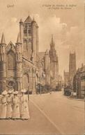 BELGIQUE  /  GENT  GAND  /  Groupe  De  4  Femmes  Devant  L '  Eglise  St Nicolas  /  Tram - Gent