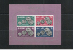 (stamps / 2-8-2020) Mini-sheet -  Malawi - Coins / Pièces - Sciences