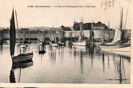 Concarneau -   Le  Port Et  Les Remparts  De  La  Ville  Close. - Concarneau