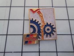 1720 Pin's Pins / Beau Et Rare / THEME : CARBURANTS / TOTAL HUILE ROUAGES - Carburants