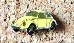 Pin's WOLKSWAGEN VW Coccinelle Blanche Verni époxy Fabricant Inconnu - Volkswagen
