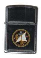 Zippo - C.C.A.S.  13 - Plastic Noir, Année 1988 -  SB - 22 - Zippo