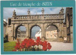 F0992 SIZUN - UNE VUE SUR L'ARC DE TRIOMPHE, PRISE DE L'ENCLOS PAROISSIAL - Sizun