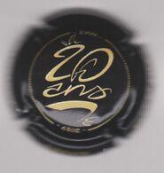 Capsule Champagne URBAIN Père & Fils ( 49a ; 1999-2019 , Noir Et Jaune-crème 20 ANS ) 8€ {S34-20} - Non Classés