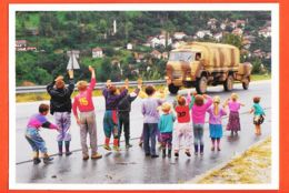 Euc139 Entre MOSTAR Et JABLANICA 25-02-1996 SARAJEVO Enfants BOSNIAQUES Friands Bonbons Groupe Vers PODORASAC - Bosnia Erzegovina