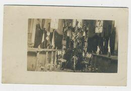 Cérémonie Religieuse Drapeaux Et Armes Dans Une église - Guerre 1914-18