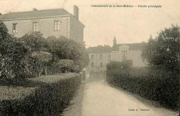 St Etienne De Montluc * Entrée Principale * Communauté De La Haie Mahéas - Saint Etienne De Montluc