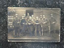 20AB  Photo Carte Militaires Belges Wagon Deutche Reichbahn Weking Fusil Mitrailleur Chauchat - Guerre 1914-18