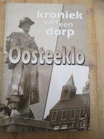 Kroniek Van Een Dorp  Oosteeklo 1995 Eerste Druk Gesigneerd 109 Blz Wielrennen - Storia