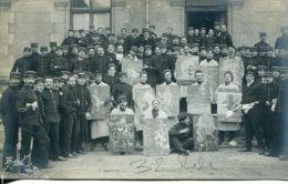 N°2583 R -carte Photo Soirée Théâtre Programmée Chez Nos Soldats Du Front - Régiments
