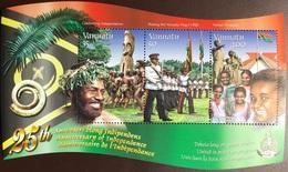 Vanuatu 2005 Independence Anniversary Minisheet MNH - Vanuatu (1980-...)