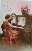 CPA - Couple Amoureux - Piano  - Bonne Année - Couples