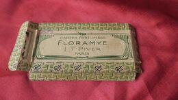 Emballage En Carton De Cartes Parfumées Anciennes, Floramye, Parfumerie L.T.PIVER. - Old Paper