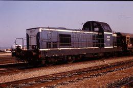 Photo Diapo Diapositive Slide Train Wagon Locomotive Diesel SNCF 66027 à Longueuil Alsace Le 20/02/92 VOIR ZOOM - Diapositives (slides)