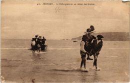 CPA Morgat- Le Debarquement Au Retour Des Grottes FRANCE (1026512) - Morgat